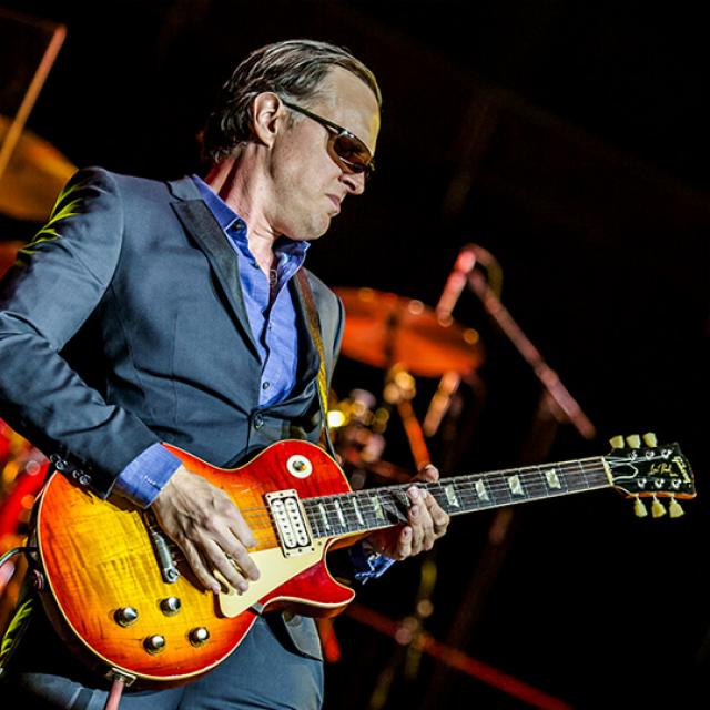 Joe Bonamassa photo